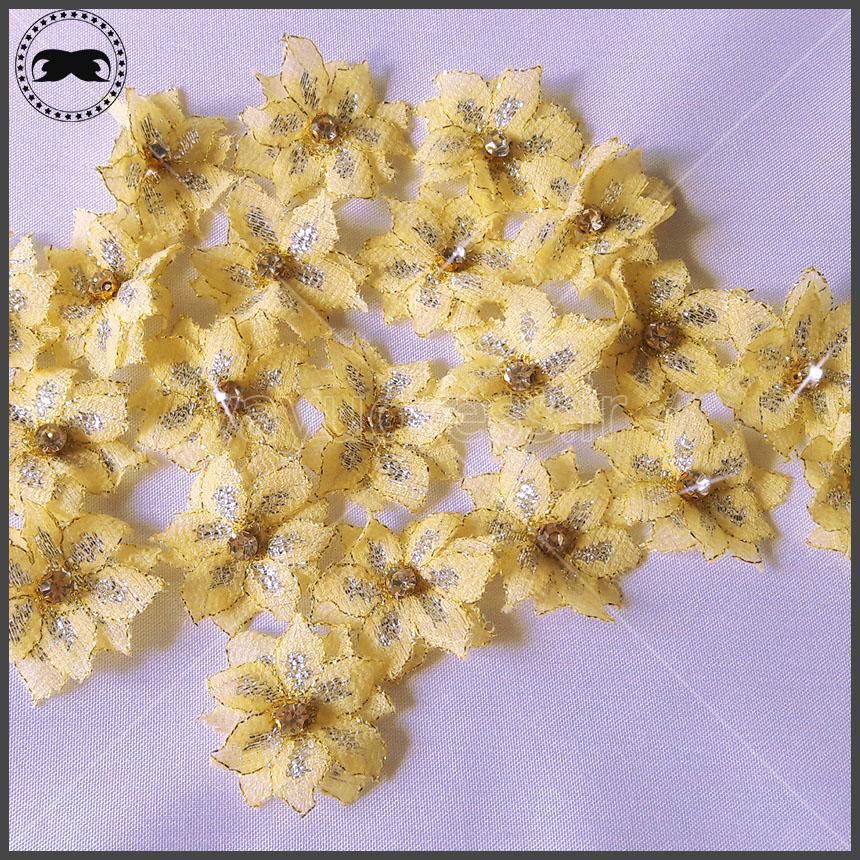 گل تزیینی برای لباس